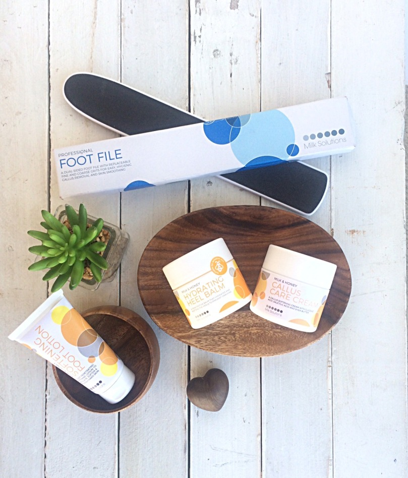 MILK SOLUTIONS Milk & Honey Sole Saviours Fabulous Feet in a Flash Kit plus Foot File