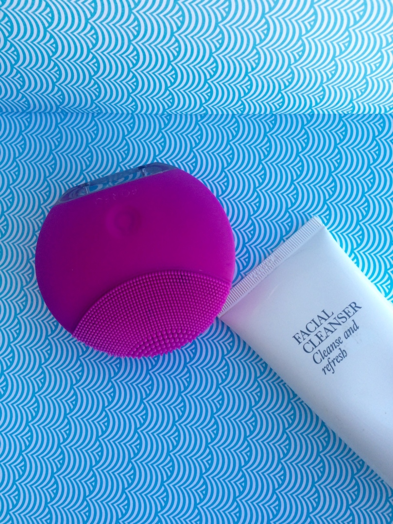 Foreo luna mini 2 in fuschia