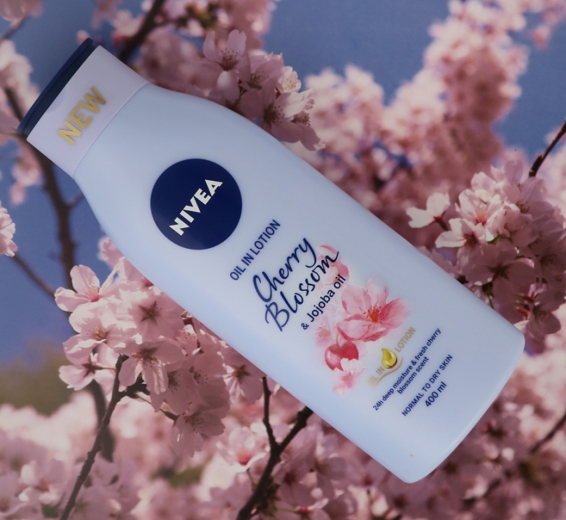 NIVEA Oil in Lotion Cherry Blossom & Jojoba Oil